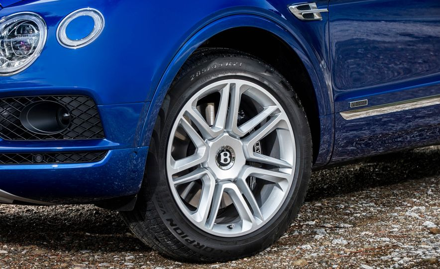 2018 Bentley Bentayga Diesel - Slide 28