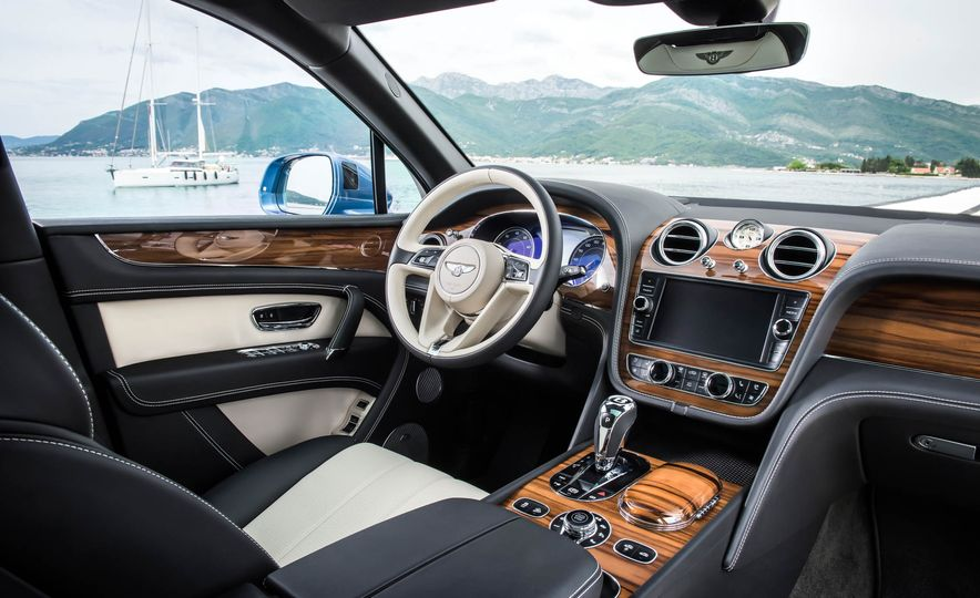 2018 Bentley Bentayga Diesel - Slide 29