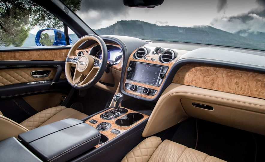2018 Bentley Bentayga Diesel - Slide 30