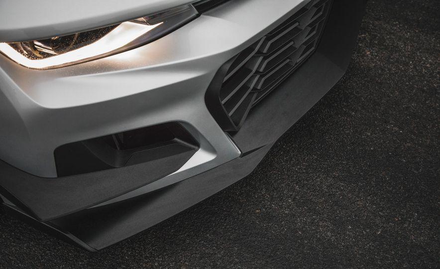 2018 Chevrolet Camaro ZL1 1LE - Slide 21