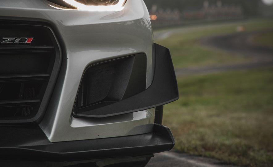 2018 Chevrolet Camaro ZL1 1LE - Slide 25