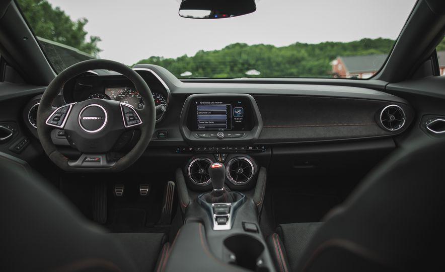 2018 Chevrolet Camaro ZL1 1LE - Slide 43