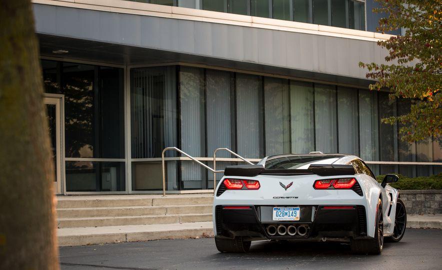 2018 Chevrolet Corvette Grand Sport Carbon 65 - Slide 19