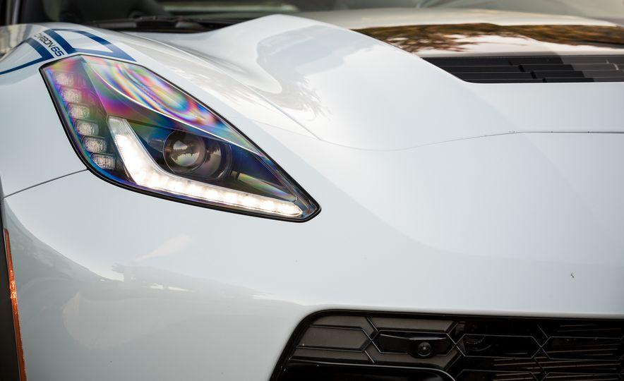 2018 Chevrolet Corvette Grand Sport Carbon 65 - Slide 23
