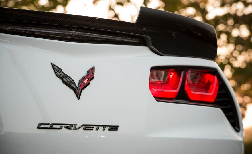 2018 Chevrolet Corvette Grand Sport Carbon 65 - Slide 30