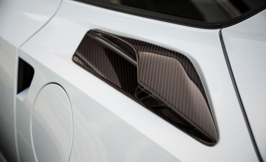 2018 Chevrolet Corvette Grand Sport Carbon 65 - Slide 34