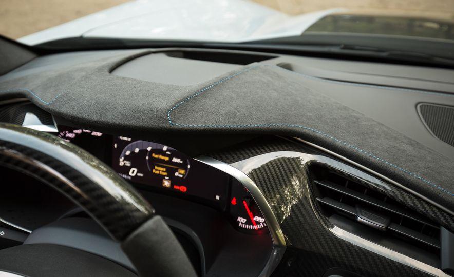 2018 Chevrolet Corvette Grand Sport Carbon 65 - Slide 37