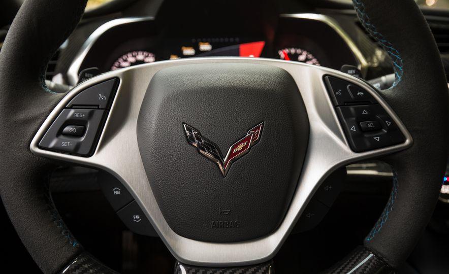 2018 Chevrolet Corvette Grand Sport Carbon 65 - Slide 38
