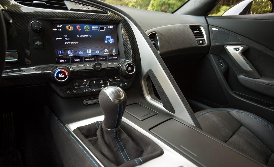 2018 Chevrolet Corvette Grand Sport Carbon 65 - Slide 42