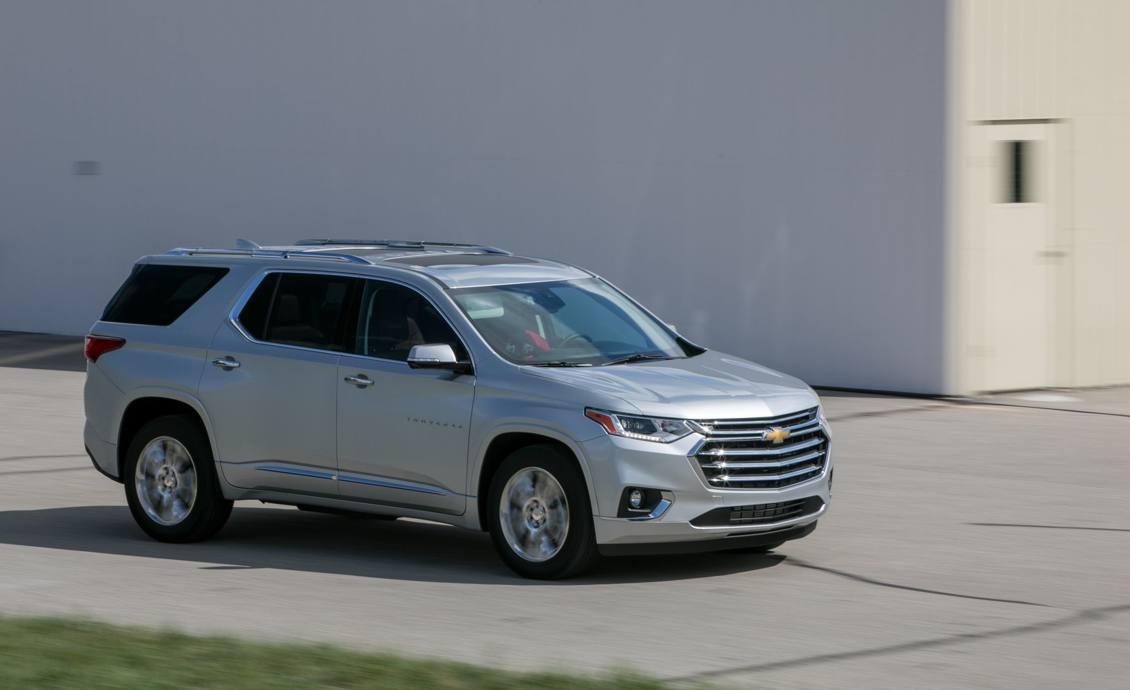 drive chevrolet pic test review traverse overview reviews cars cargurus