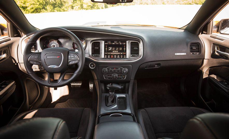 2018 Dodge Charger - Slide 35