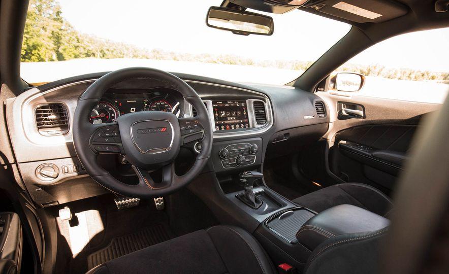 2018 Dodge Charger - Slide 36