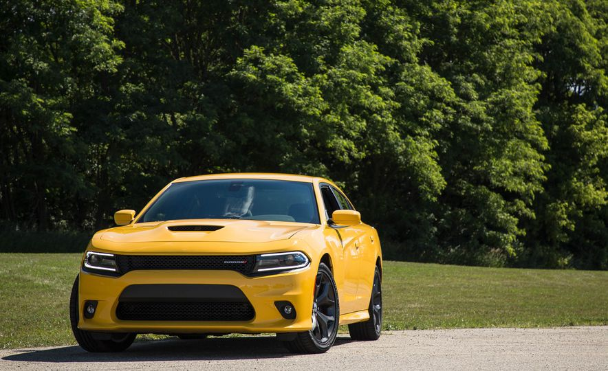 2018 Dodge Charger - Slide 2