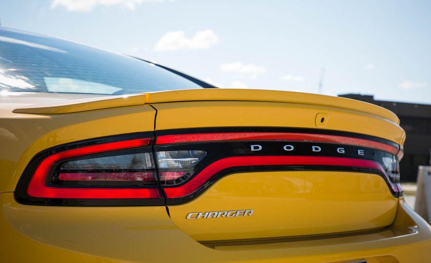 2018 Dodge Charger - Slide 6