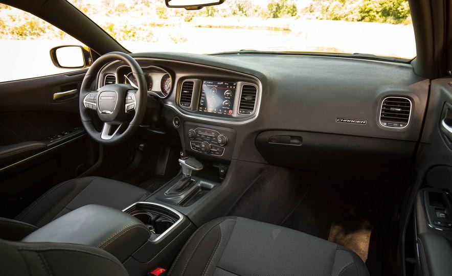 2018 Dodge Charger - Slide 9