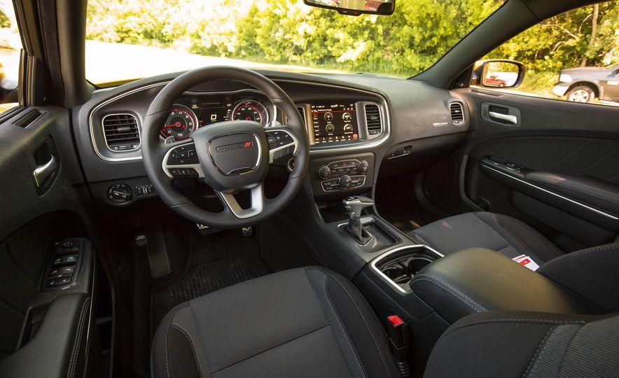 2018 Dodge Charger - Slide 10