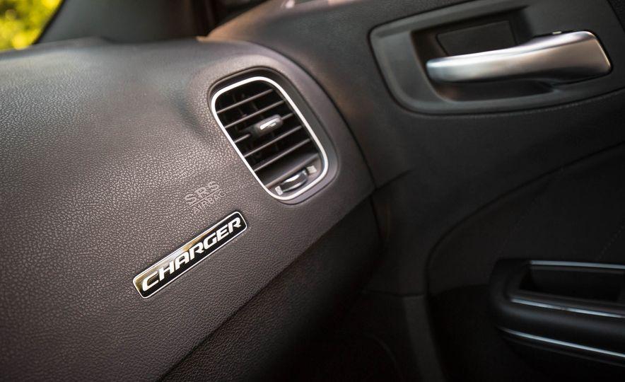 2018 Dodge Charger - Slide 15