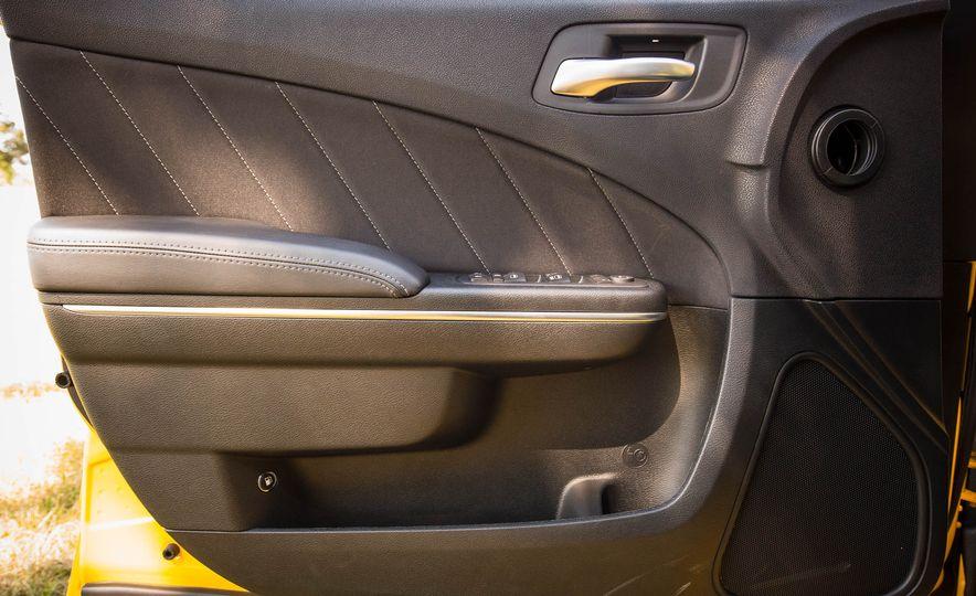 2018 Dodge Charger - Slide 16