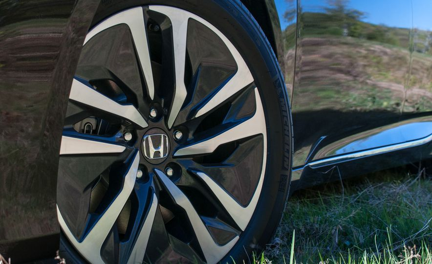 2018 Honda Accord hybrid - Slide 5