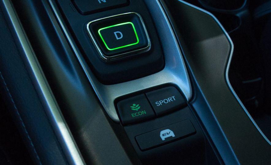 2018 Honda Accord hybrid - Slide 9