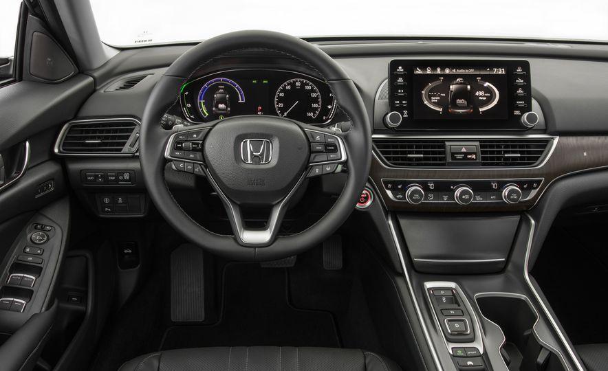 2018 Honda Accord hybrid - Slide 23
