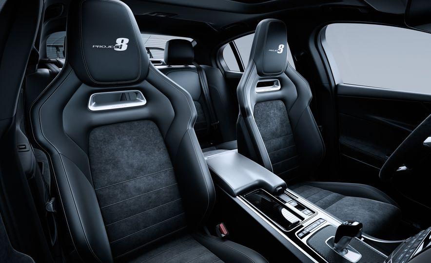 2018 Jaguar XF Sportbrake - Slide 24