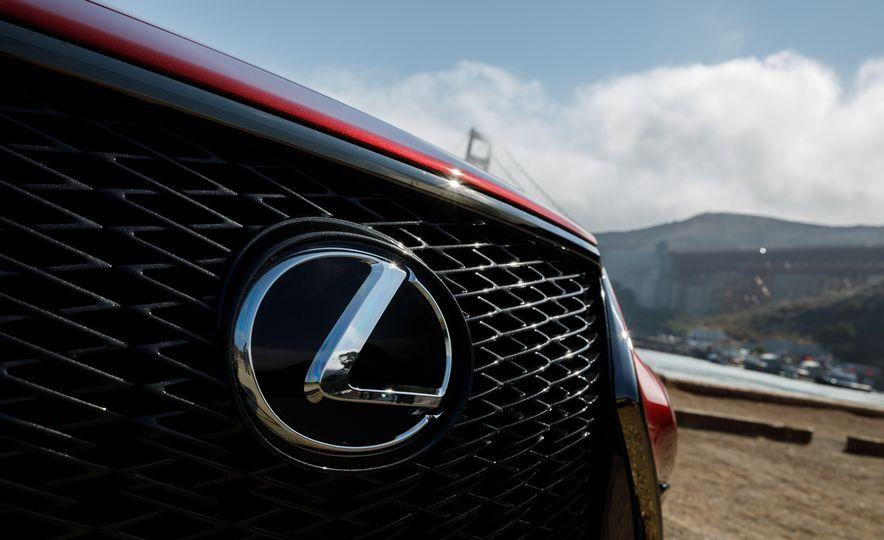 2018 Lexus LS500 AWS F Sport - Slide 15