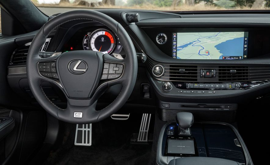 2018 Lexus LS500 AWS F Sport - Slide 24