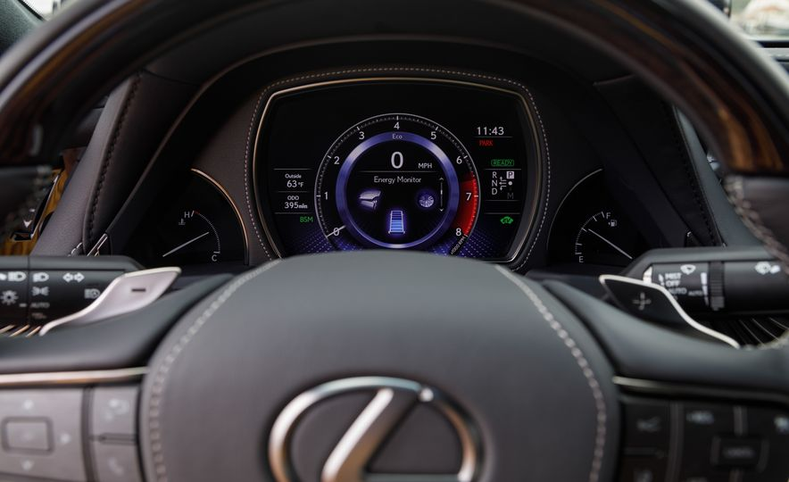 2018 Lexus LS500 AWS F Sport - Slide 27