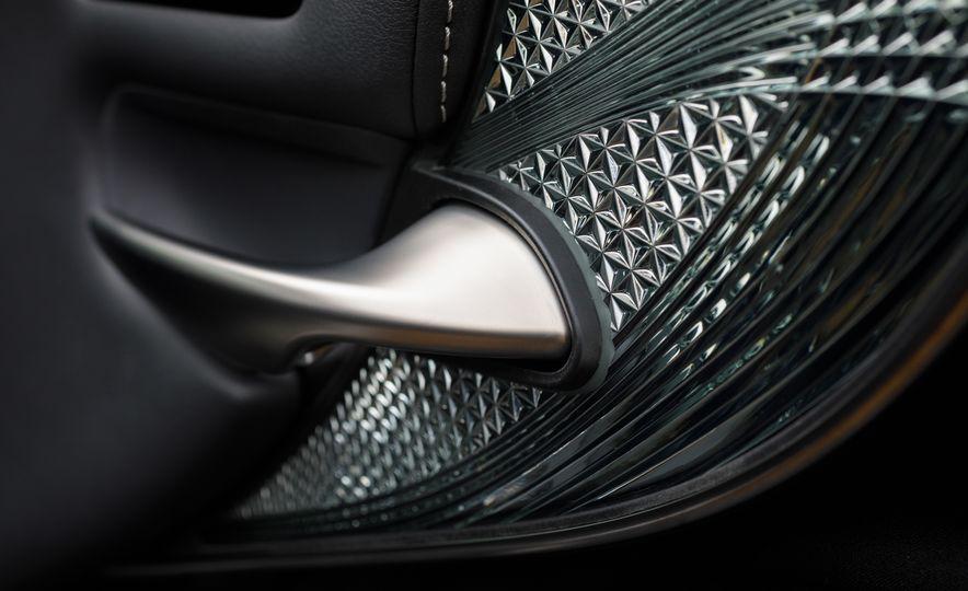 2018 Lexus LS500 AWS F Sport - Slide 47
