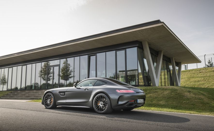 2018 Mercedes-AMG GT C Edition 50 coupe - Slide 10
