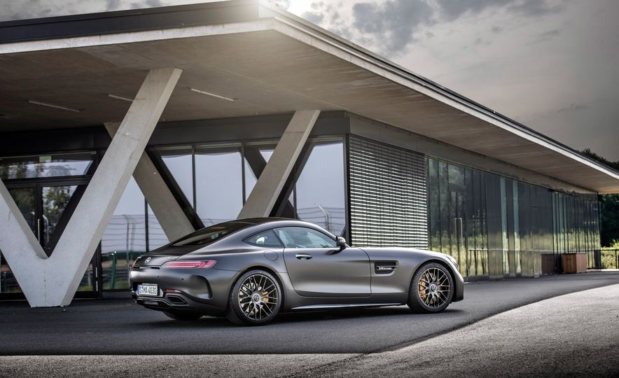 2018 Mercedes-AMG GT C Edition 50 coupe - Slide 11