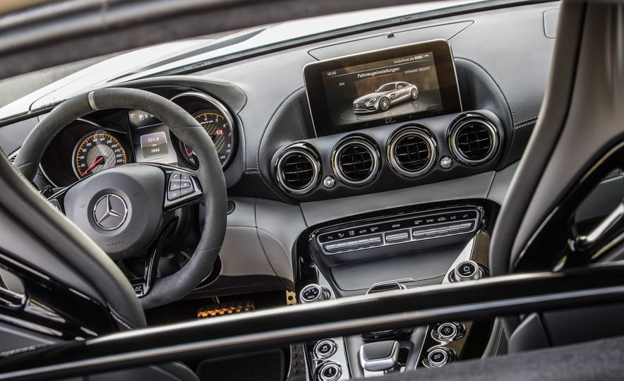 2018 Mercedes-AMG GT C Edition 50 coupe - Slide 26