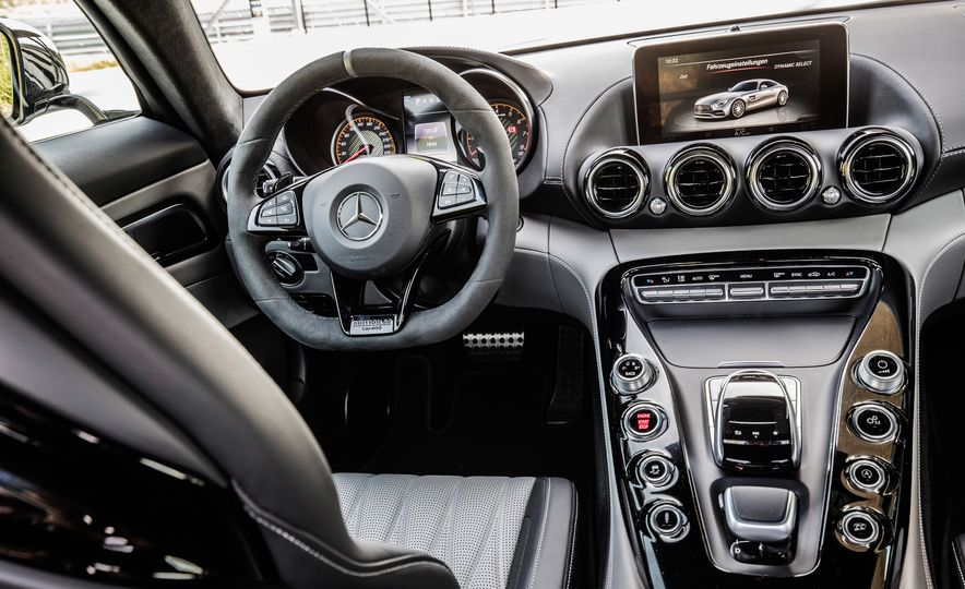 2018 Mercedes-AMG GT C Edition 50 coupe - Slide 28