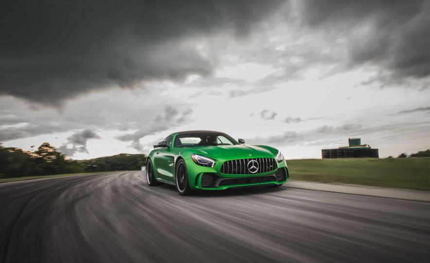 2018 Mercedes-AMG GT R - Slide 3