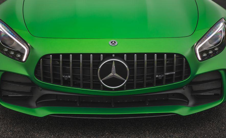2018 Mercedes-AMG GT R - Slide 22