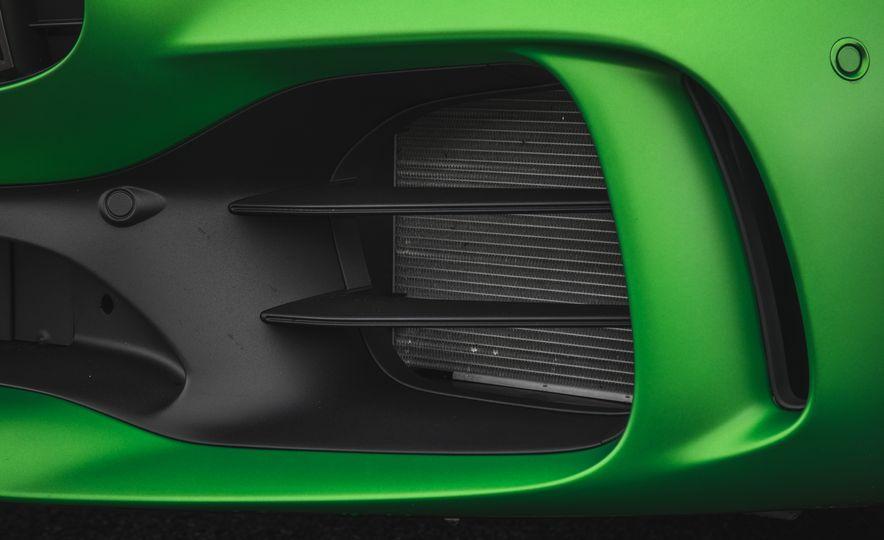 2018 Mercedes-AMG GT R - Slide 26