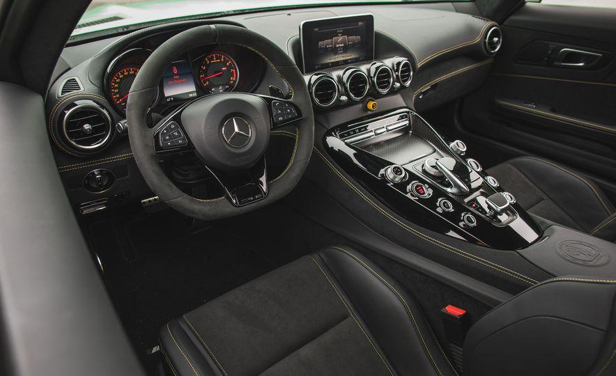 2018 Mercedes-AMG GT R - Slide 52