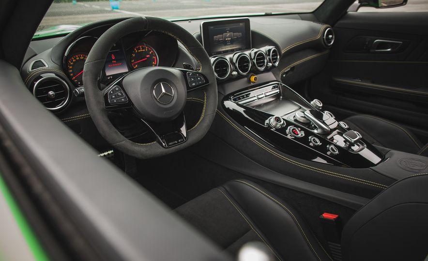 2018 Mercedes-AMG GT R - Slide 53