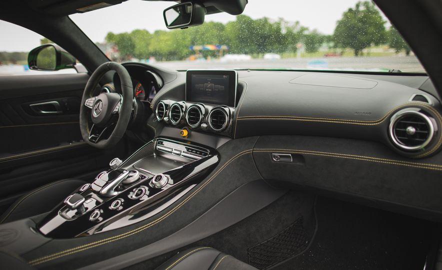2018 Mercedes-AMG GT R - Slide 55