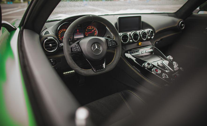 2018 Mercedes-AMG GT R - Slide 60