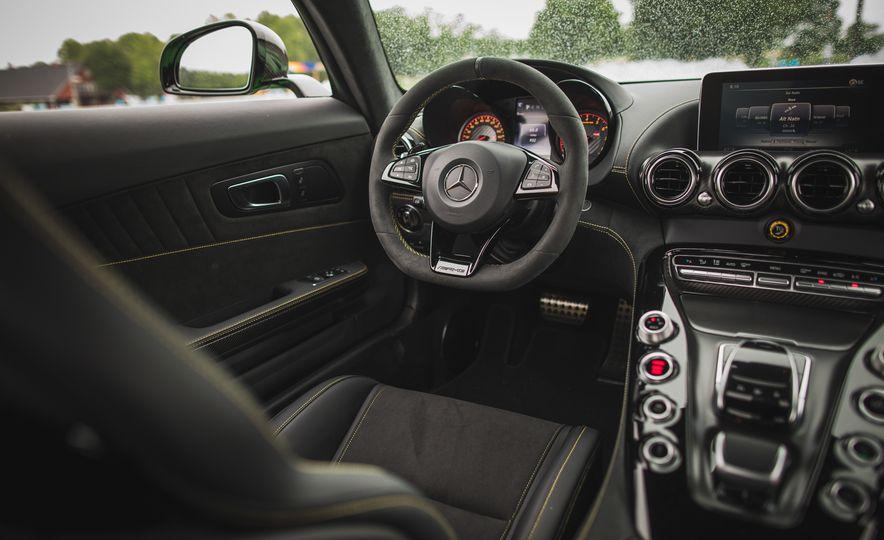 2018 Mercedes-AMG GT R - Slide 61