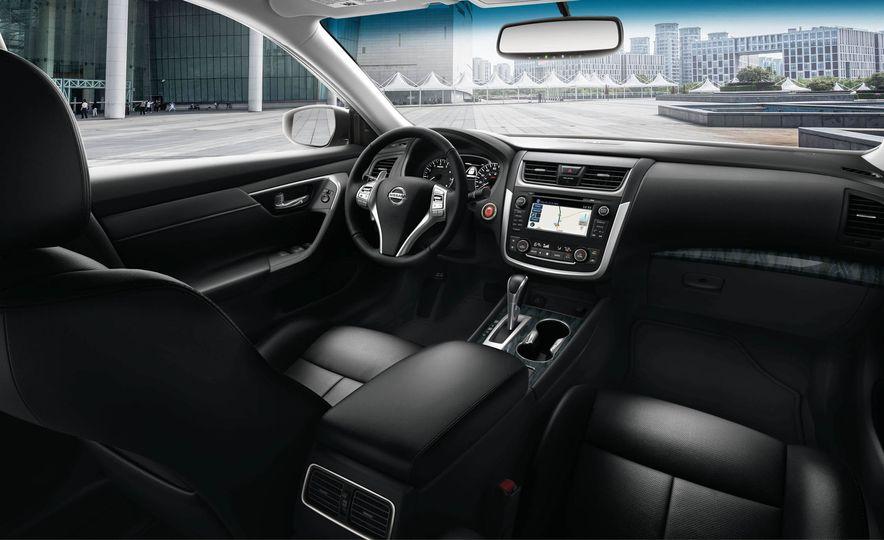 2018 Nissan Altima - Slide 11