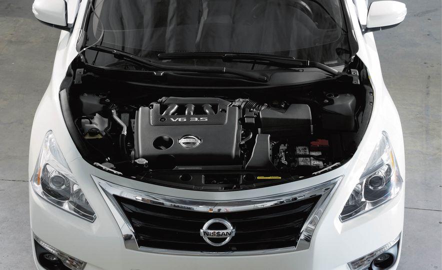 2018 Nissan Altima - Slide 12