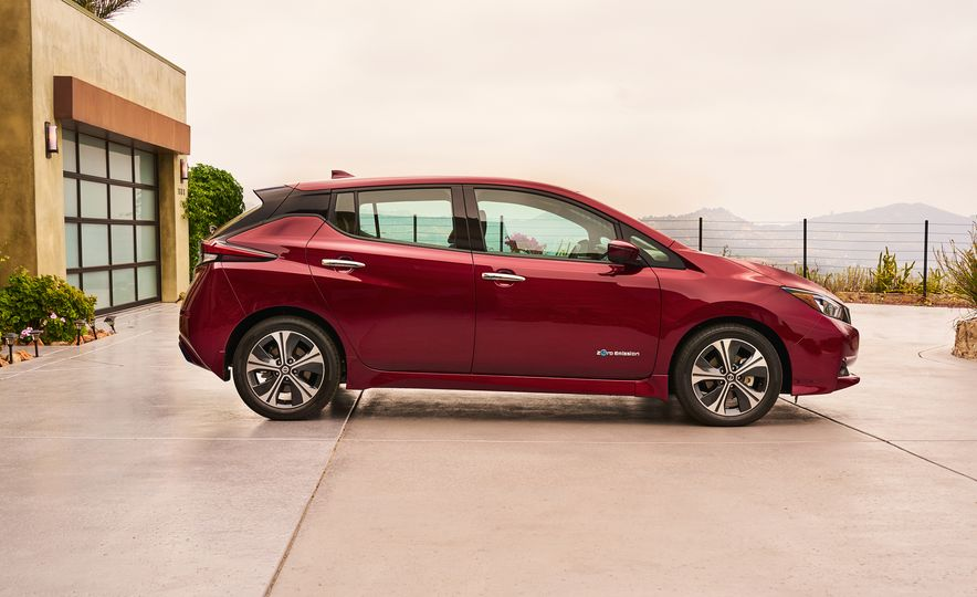 2018 Nissan Leaf - Slide 5