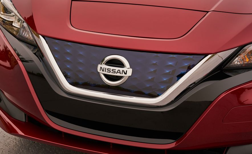 2018 Nissan Leaf - Slide 7