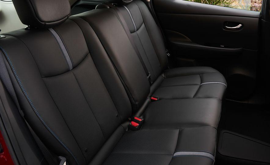 2018 Nissan Leaf - Slide 9