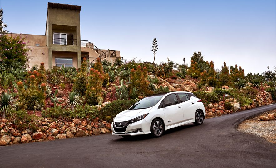2018 Nissan Leaf - Slide 33