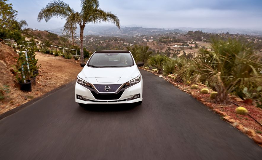 2018 Nissan Leaf - Slide 34