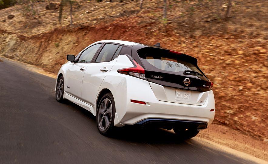 2018 Nissan Leaf - Slide 14